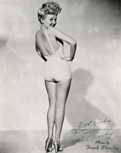 477px-Betty_Grable_20th_Century_Fox[1] (Medium)
